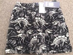 Boys Fuzzy Pajama Shorts Black With White Dinosaur Bones Nwt size 7/8