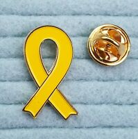 Yellow ribbon metal pin badge. Suicide awareness. Troops Catalan Independence