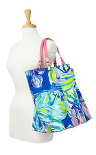New Lilly Pulitzer Beach Bathers REVERSIBLE Tote Bag U0026 Wristlet Casa Del Sol
