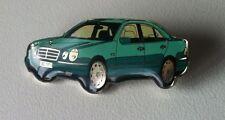 Mercedes-Benz E-Klasse Baureihe 210 Motiv Pin grün 38x16mm [13532]