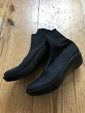 Robert Clergerie Booties Size 7.5, fits like an 8