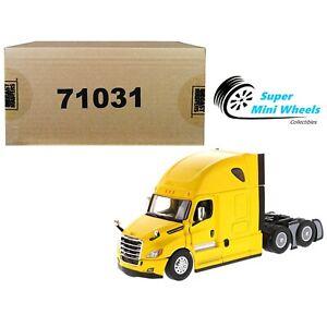 "Diecast Masters 1:50 Freightliner Cascadia SBFA Tandem with 72"" Sleeper (Yellow)"