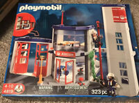 New - Playmobil 4819 Fire Station & Firefighters Retired 323 Pieces