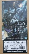 Justice League #1 JIM LEE VARIANT signed Scott Snyder MIDTOWN COMICS COA