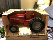 INTERNATIONAL ROW CROP TRACTOR BY ERTL SCALE 1/16 SCALE MADE IN USA