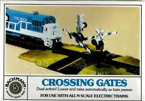 Bachmann N Scale Dual Action Crossing Gates #46720 Brand New