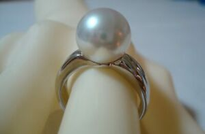 """Authentic  """"MIKIMOTO"""" platinum 11mm South Sea  Pearl  Ring"""