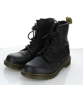 21-61 Women Sz 7 M Dr. Martens 1460 Y Leather Lace Up Combat Boot In Black