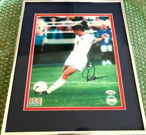 Mia Hamm autographed signed 1999 US Women's World Cup 8x10 photo framed STEINER