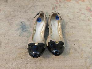Tahari Gibson Tan Leather & Patent Cap Toe Bow Ballet Flats Sz 6.5 Never Worn