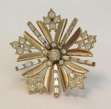 VINTAGE 1940s 50s CROWN TRIFARI SIGNED CRYSTAL STARBURST BROOCH GOLDEN FRAME