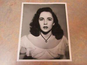 """VINTAGE ORIGINAL 1940's ELIZABETH TAYLOR """"CYNTHIA"""" PUBLICITY PHOTO 8"""" X 10"""""""