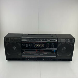 Boombox Radio Cassette Recorder GE  Model 3-5676A Detachable Speakers Vintage