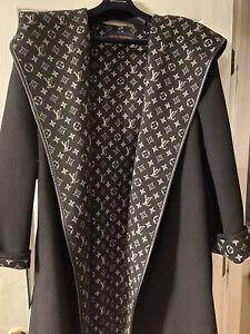 Louis Vuitton Hooded Silk Wool Blend Wrap Coat FR 44  US 12 Black/White LV