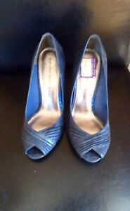 blue high heels Sz 9,39,Adrianna papell- Excellent Condition