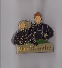 Pin's mode vêtements / Mac Douglas (mode homme et femme)