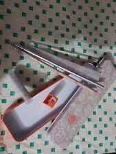 Meraviglioso astuccio in metallo porta oggetti della thun con matite, righello..
