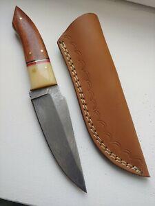 Couteau de  chasse lame damas 12cm étui cuir