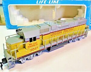 HO Scale Life-Like 08287 GP 38-2 Union Pacific #2047 Diesel Locomotive - IOB