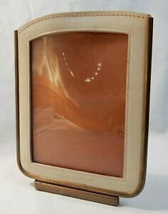 Vintage WEST GERMANY Leather Trimmed HICKOK TRAVEL PICTURE FRAME   3 x 4 Photos