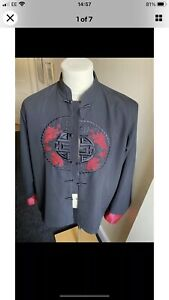 100% Silk Chinese style Jacket Size L(great condition)Needs A Small Repair O557