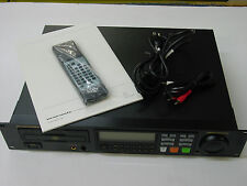 Marantz PMD331 Very Clean Rack Mount Professional CD Player w/remote control