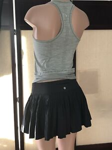 Lululemon Pleated Skirt   Black Sz 6  Nice ❤️ Lovely!!