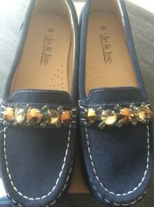 Ladies loafer shoes by Jo & Jo Slip on, very comfy, just 5 pairs remain SALE !