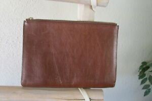 NEW FOSSIL BROWN LEATHER CUSHIONY ZIPPERED POUCH