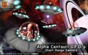 Pegasus 9102 ALPHA CENTAURI UFO Space Ships W/ Aliens model kit 1/32