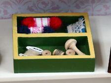Maison de poupées miniatures accessoires needlework plateau SA48