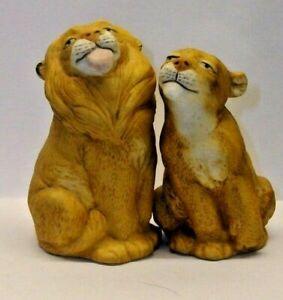 FRANKLIN MINT NOAH'S ARK SALT AND PEPPER SHAKER SET --A LION AND LIONESS-- SET 1