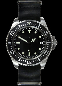 MWC 300m/1000ft Water Resistant Auto Military Divers Watch with Sapphire Crystal