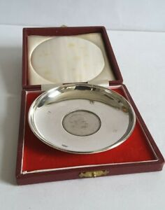 NICE CASED VINTAGE SOLID SILVER DISH, INSET CHURCHILL CROWN    79g.    LON. 1970