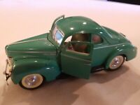 1/34 Scale 1940 Ford Deluxe 5-Window Coupe Diecast Model Car - Sunnyside SS5740