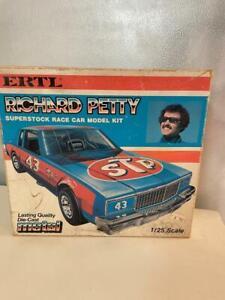 1979 - 1980 Richard Petty STP Chevy Caprice 1/24 Diecast Model ERTL