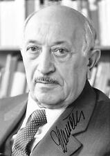 Nazi Hunter & Holocaust Survivor Simon Wiesenthal Signed Photo Autograph WW2
