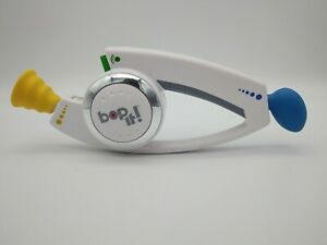 Hasbro BOP IT Hand-Held Toy Twist Pull Game Kids Adults Fun 2008 Tested Working
