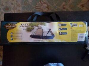 10 X 8 Family Dome Tent Sleeps 5 New