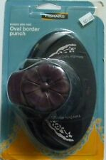 Fiskars - Oval Border Punch - Roses are Red
