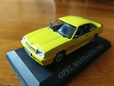 OPEL MANTA GT/E 1982 IXO 1/43 CON URNA, SIN CAJA