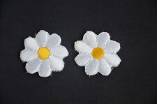 2pcs DAISY DAISIES FLOWERS (3cm)  Embroidered Iron On Cloth Patch Badge APPLIQUE