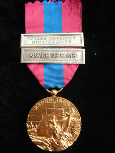 P18CH) Médaille MILITAIRE barrettes armée de l'air forces aérienne french medal