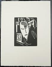 Stegemann, Heinrich (1888 - 1945) - FRAU MIT KATZE VOR HÄUSERN Holzschnitt