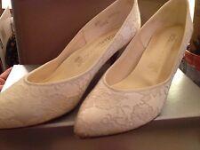 white lace wedding shoes