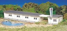 Bachmann HO Scale Plasticville Classic Building/Structure Motel/Swimming Pool