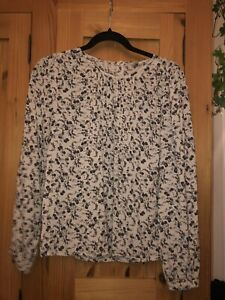 Women's Pretty top / blouse size 10 small Jack Wills floral Design Purple & Grey
