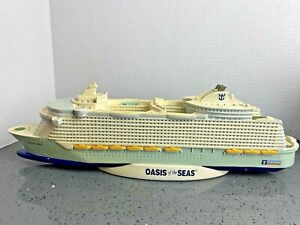 """Royal Caribbean Oasis of the Seas Model of Cruise Ship 16"""" Long Hand Painted"""