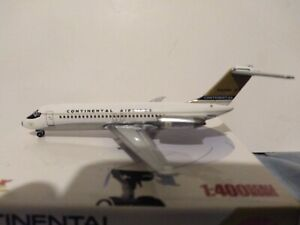 "Jet-X 1:400 JX400 CONTINENTAL ""DELIVERY COLORS/GOLDEN JET LIVERY""DC-9-15RC N8903"