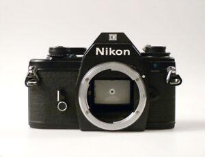 bi1/6 NIKON EM  black   Spiegelreflexkamera